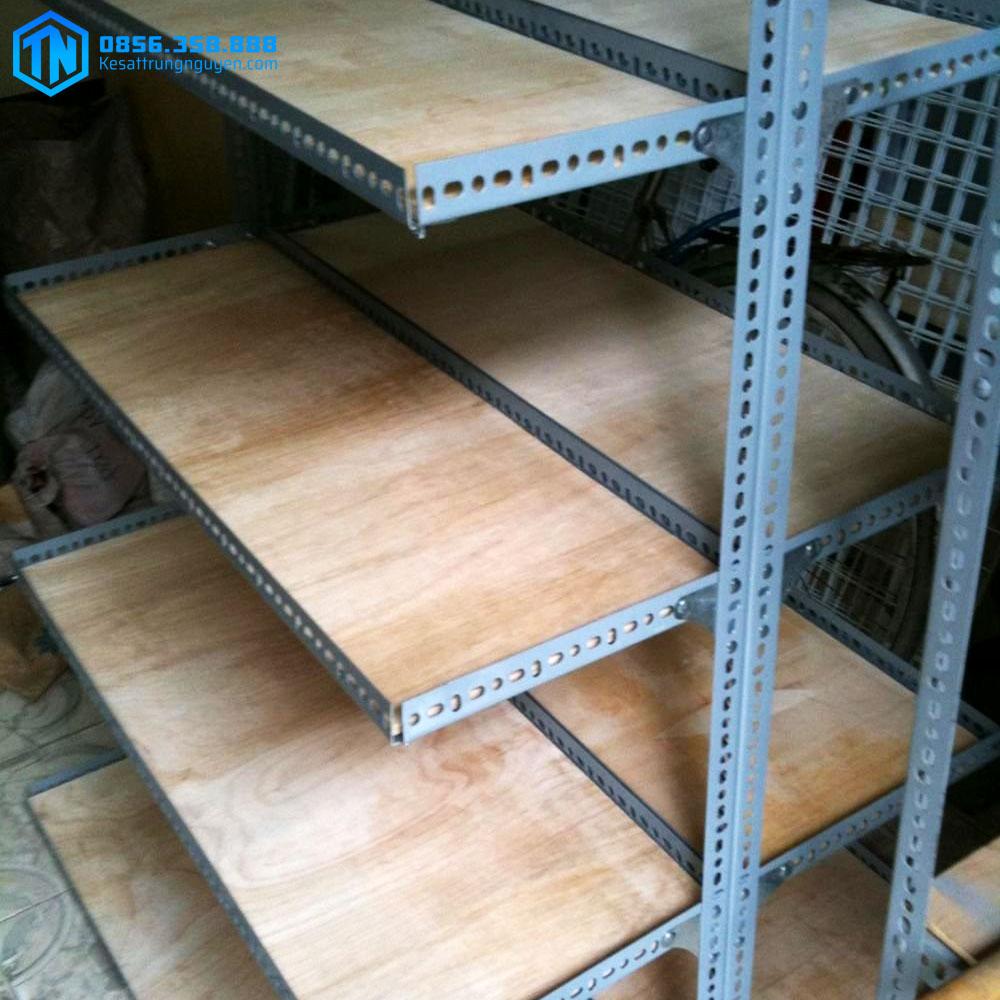 mẫu kệ gỗ 4 tầng TN31