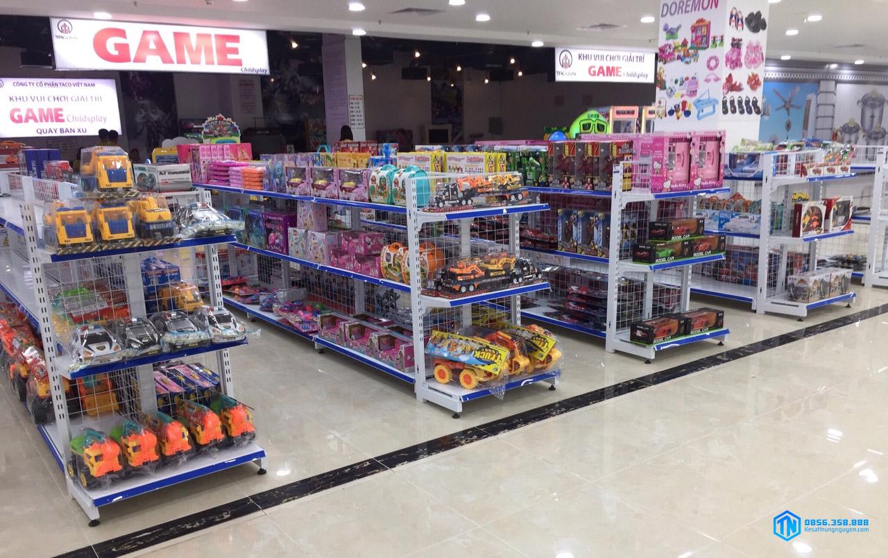 Sử dụng đầu kệ siêu thị tại các cửa hàng đồ chơi